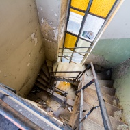 Decaying staircase
